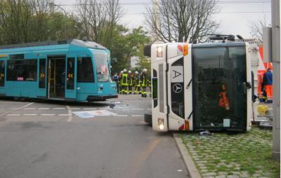 frankfurt strassenbahnunfall 24102013