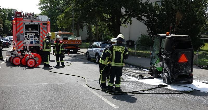wiesbaden brand kehrmaschine 29062015