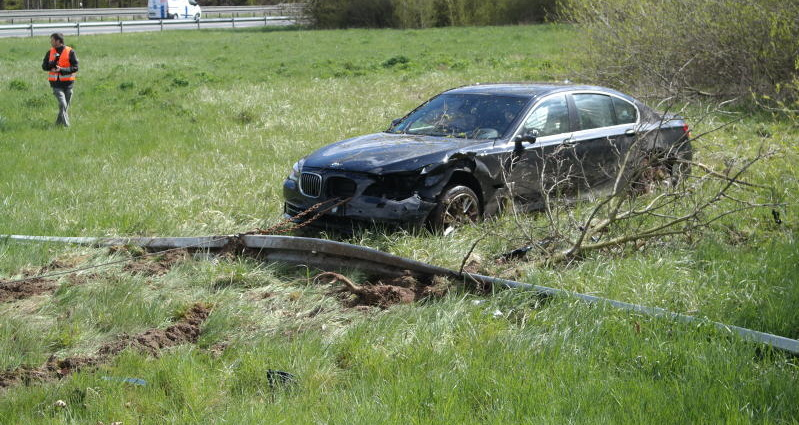 kassel autodieb unfall a44 25042016