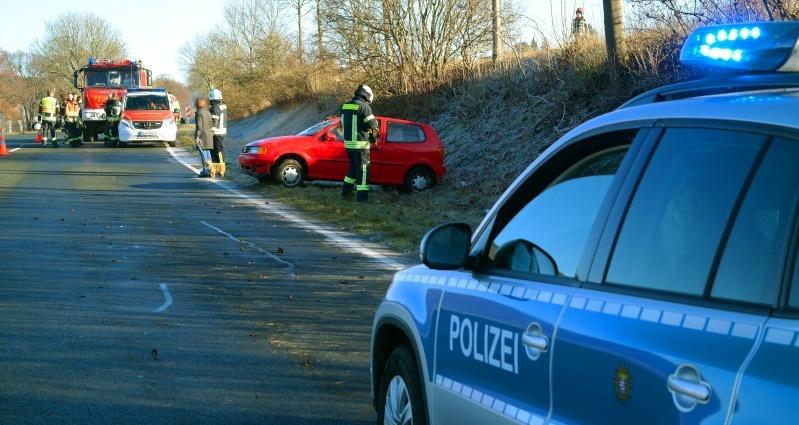 habichtswald unfall b251 03122016