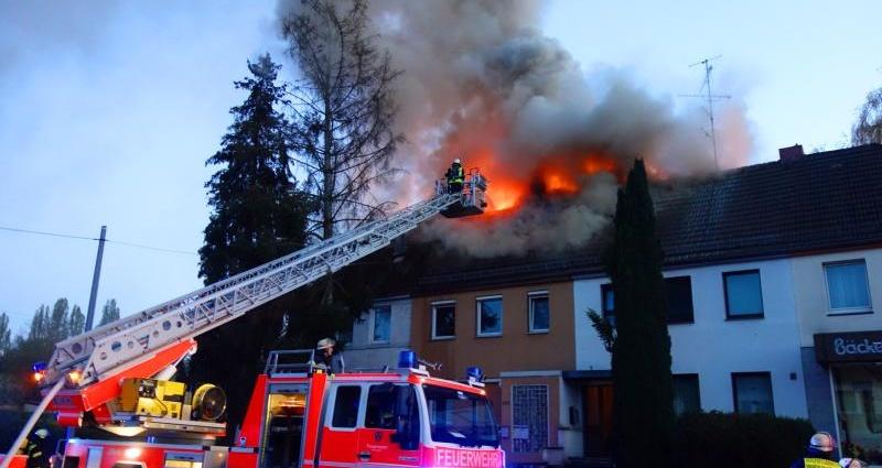 wiesbaden dachstuhlbrand 09042017